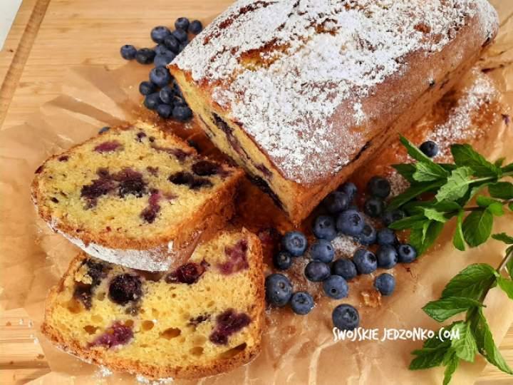 Szybkie ciasto ucierane z serem i borówkami