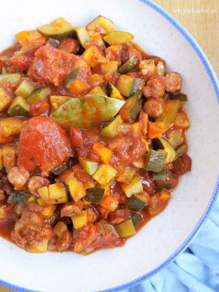 Szybki bigos z cukinii / Quick Zucchini and Sausage Stew