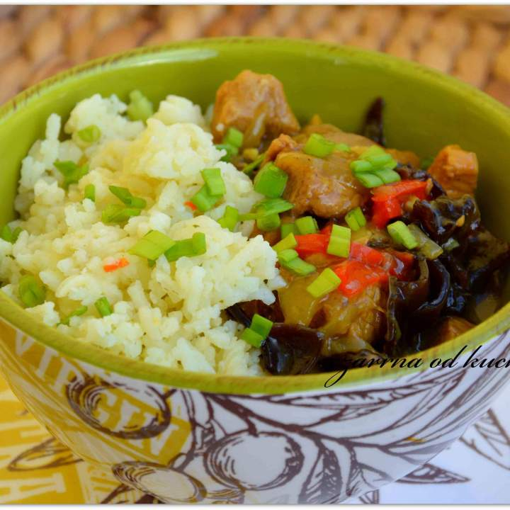 Orientalny gulasz z ryżem