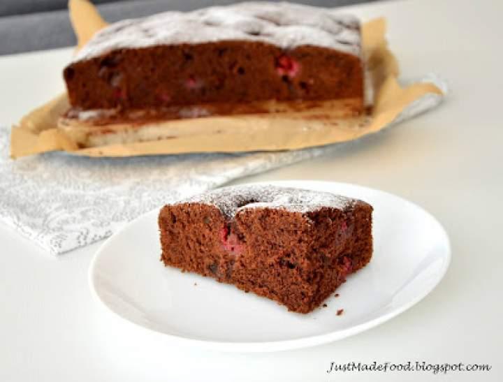 Ekstremalnie czekoladowe ciasto z malinami