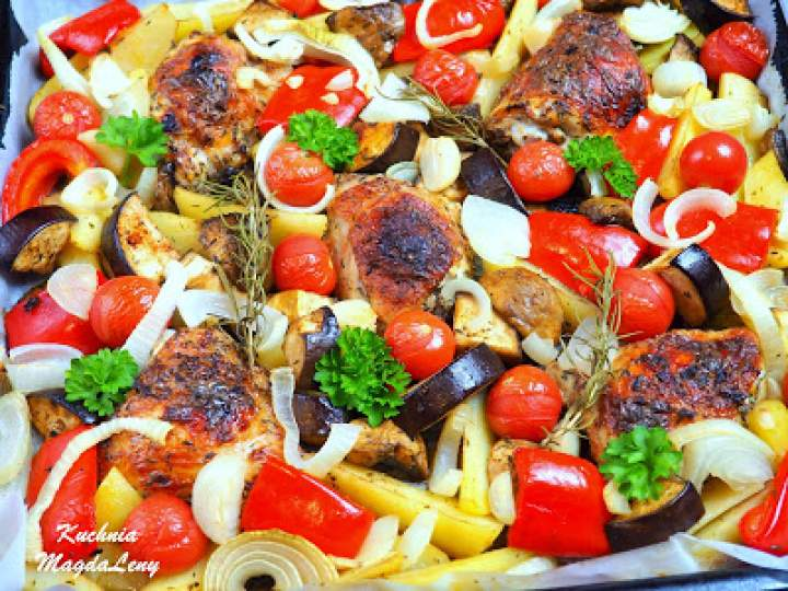 Kefirowe udka pieczone z warzywami