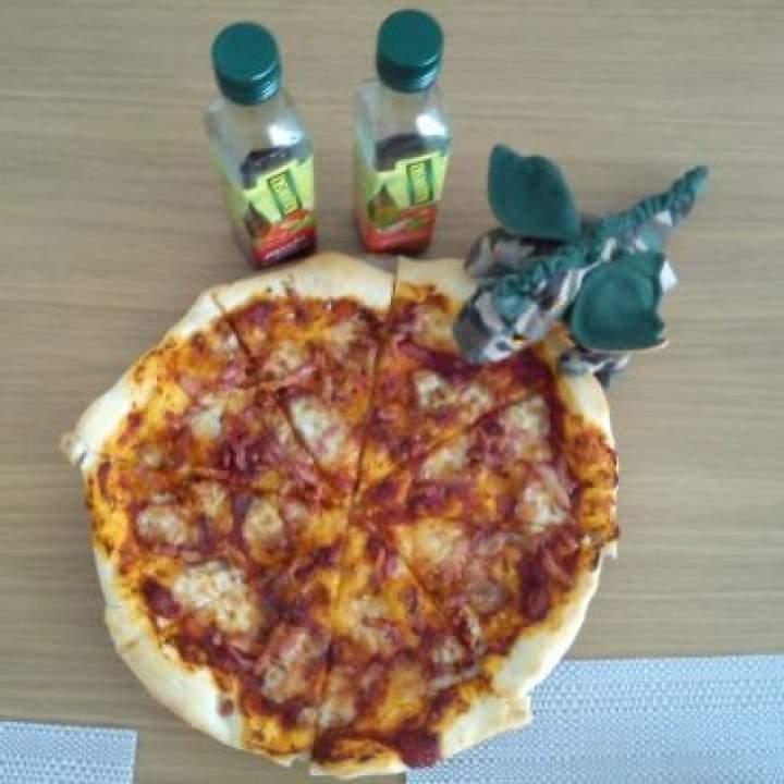 Pizza z boczkiem