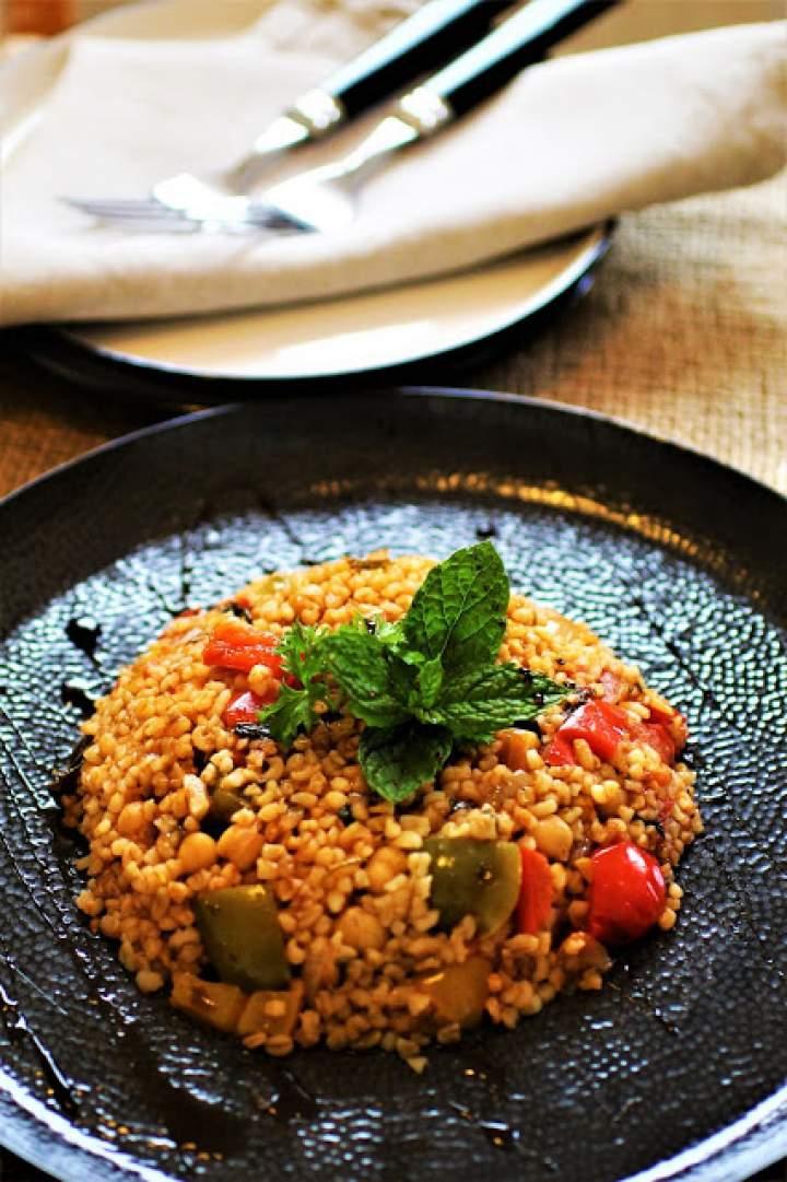Bulgur z Aleppo według przepisu Lary Alsayed / Bulgur from Aleppo according to Lara Alsayed's recipe