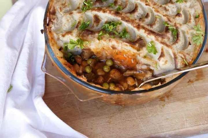 Wegańska zapiekanka pasterska. Shepherd's pie.