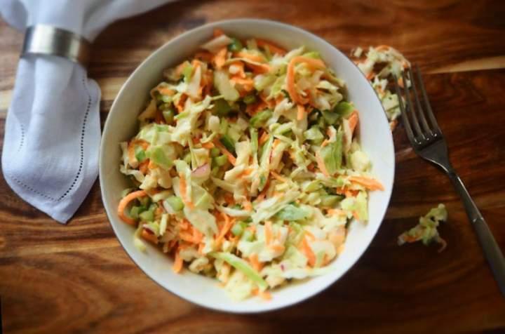 Surówka obiadowa Colesław z białej kapusty