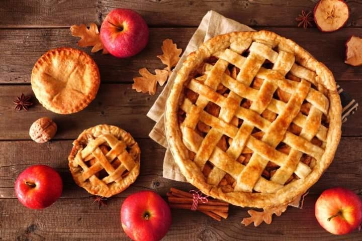 Przepis na szarlotkę i inne nietuzinkowe ciasta z jabłkami? Sprawdź!