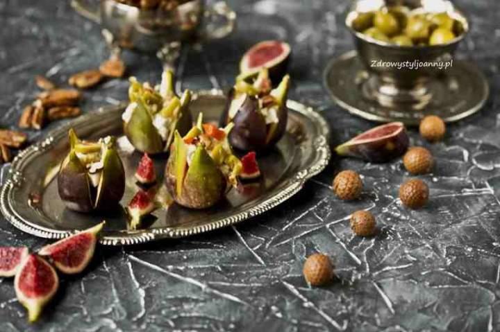 Pieczone figi z serkiem ricotta.