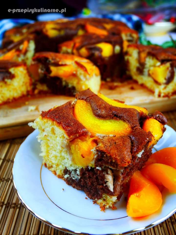 Cielaczek – ucierane ciasto z brzoskwiniami