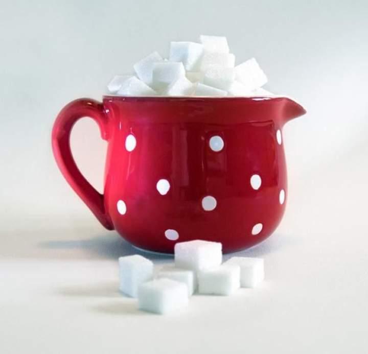 Cukrowy detoks. Jak pokonać uzależnienie od słodyczy.