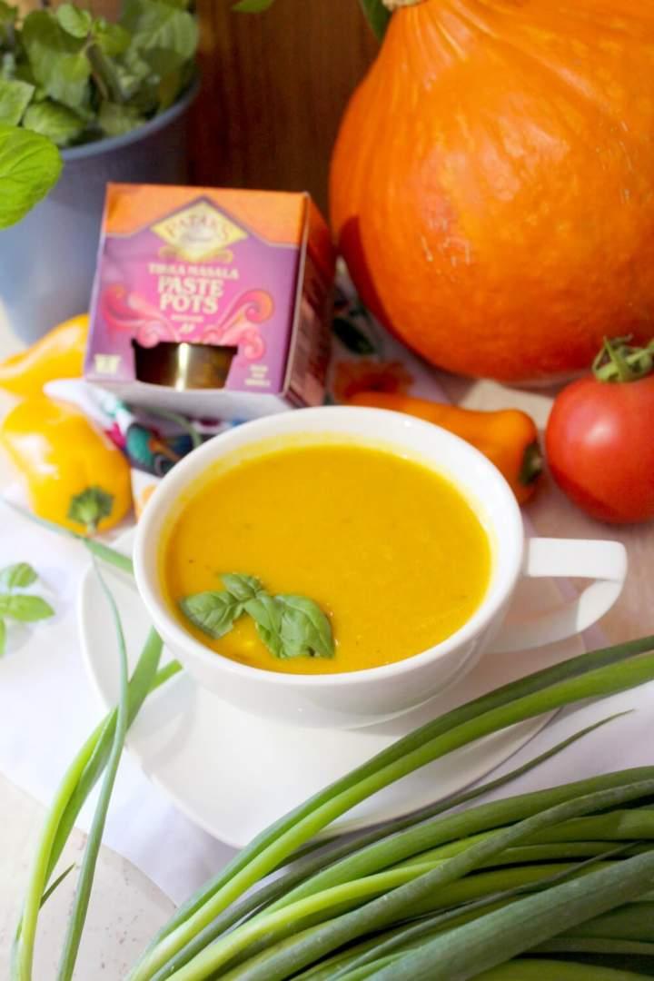 Rozgrzewająca zupa z dyni – szybki i prosty przepis
