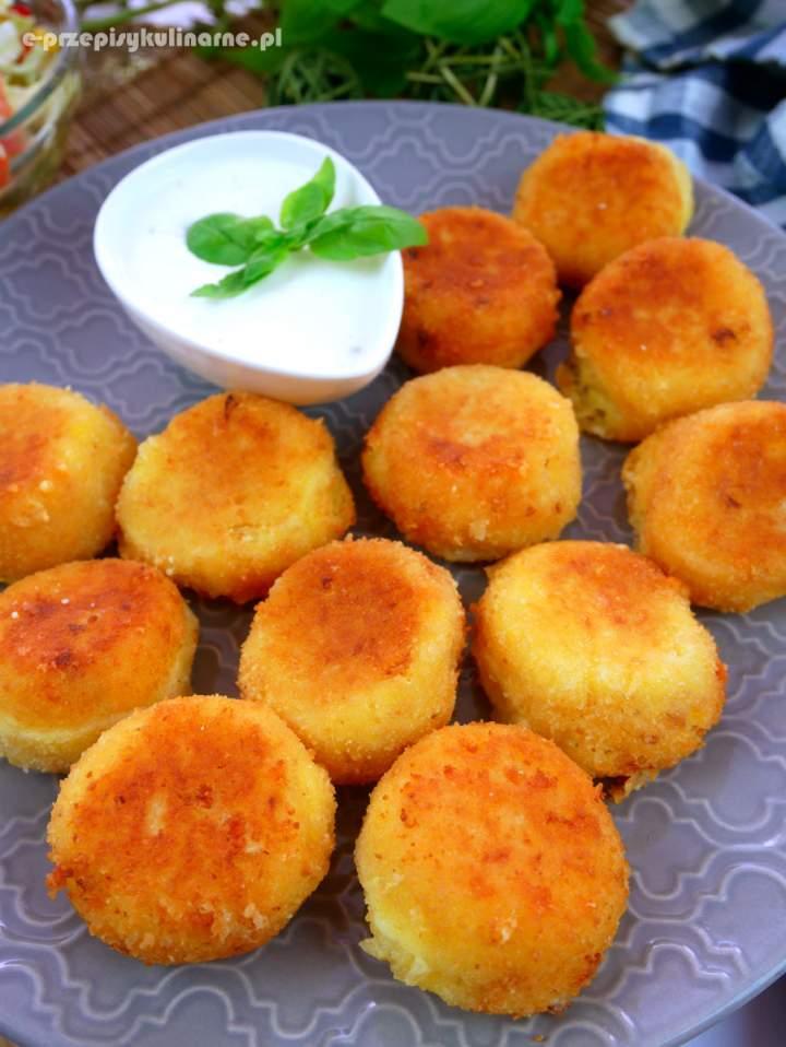 Dufinki ziemniaczane z serem żółtym – jak zrobić kulki ziemniaczane
