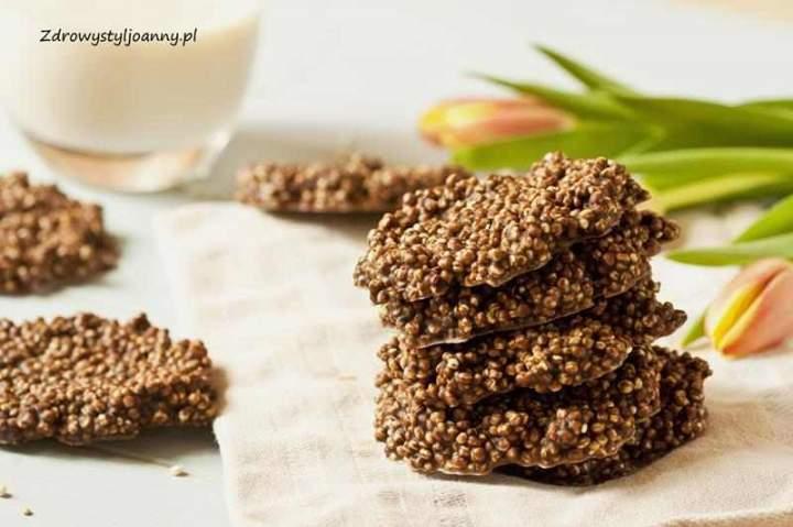Czekoladowe ciasteczka z kaszą quinoa.