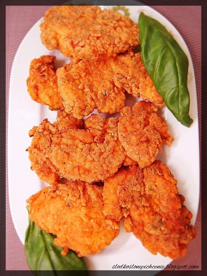 Chrupiące kawałki kurczaka w pikantnej panierce