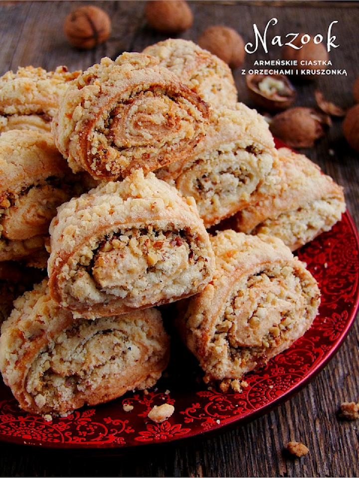 nazook – armeńskie ciastka z orzechami