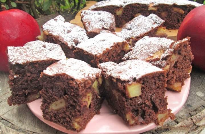 Bardzo łatwe Ciasto kakaowe z jabłkami+FILM