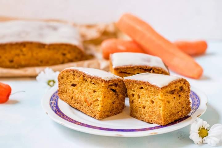 Marchewkowe Ciasto Z Lukrem Pomarańczowym