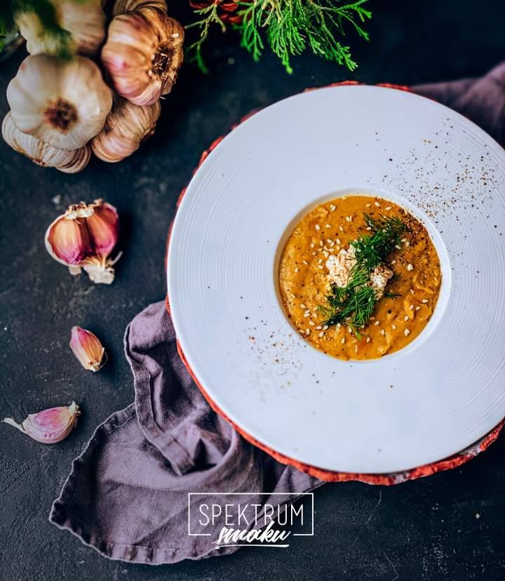 Krem czosnkowy na pieczonych warzywach