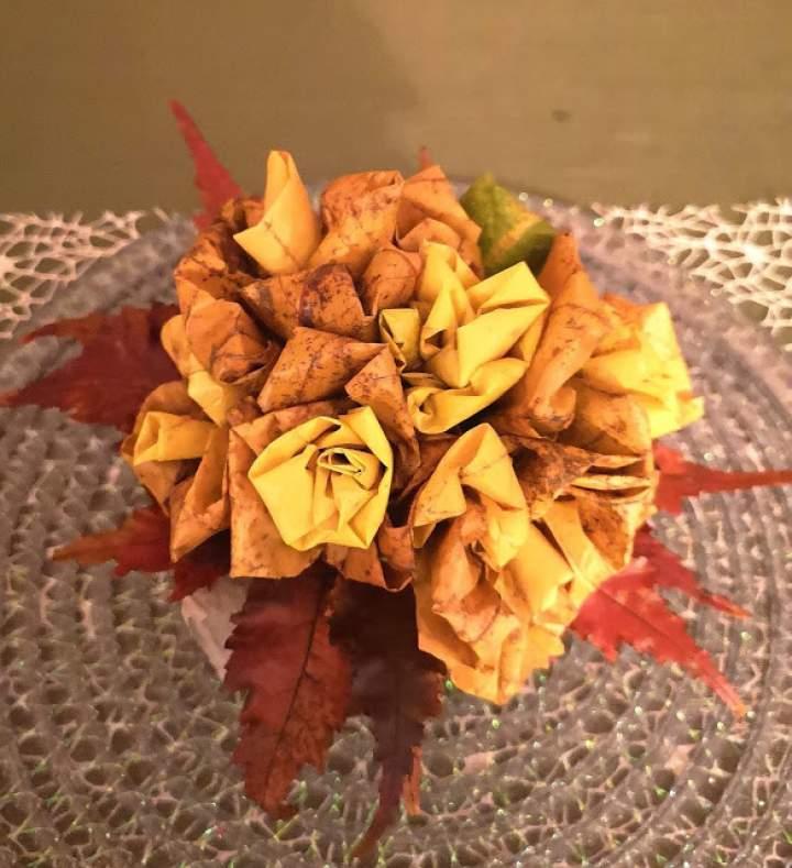 Jak zrobić kwiaty z jesiennych liści?