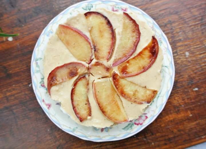 Mini serniczek z jabłkami na płatkach!