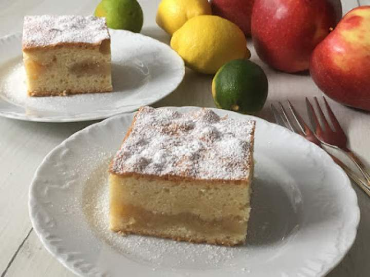 Jabłecznik – przepis na ciasto z jabłkami