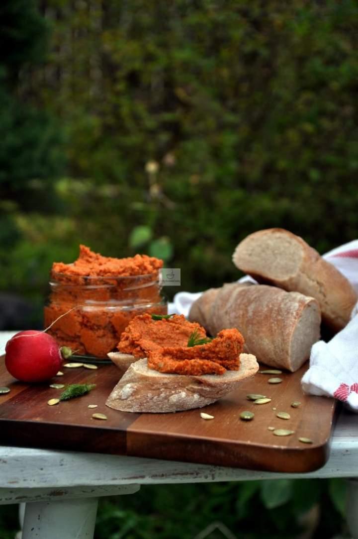 Pasta z pestek dyni i pieczonych warzyw