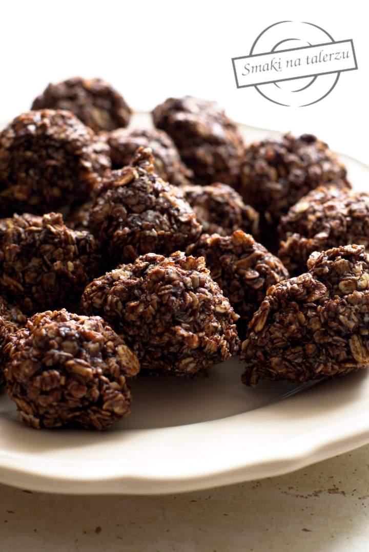 Kakaowo-owsiane ciasteczka bez pieczenia