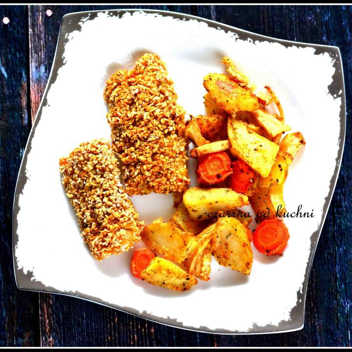 Ryba w otrębach pieczona z warzywami