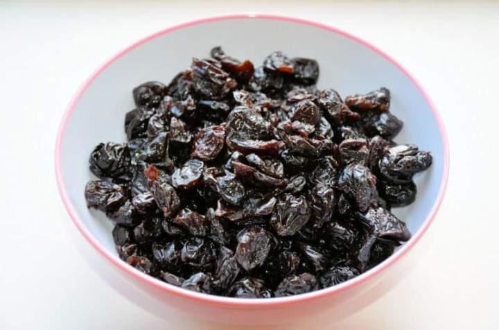 Wigilijny kompot z suszonych owoców z fasolą