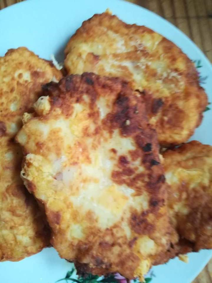 kotlety ziemniaczane z resztkami wędliny i pieczarek -idealny przepis gdy zostają nam resztki ziemniaków