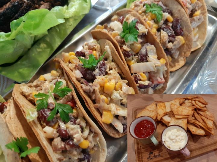 Tacos z sałatką meksykańską i domowe nachosy – po prostu pysznie