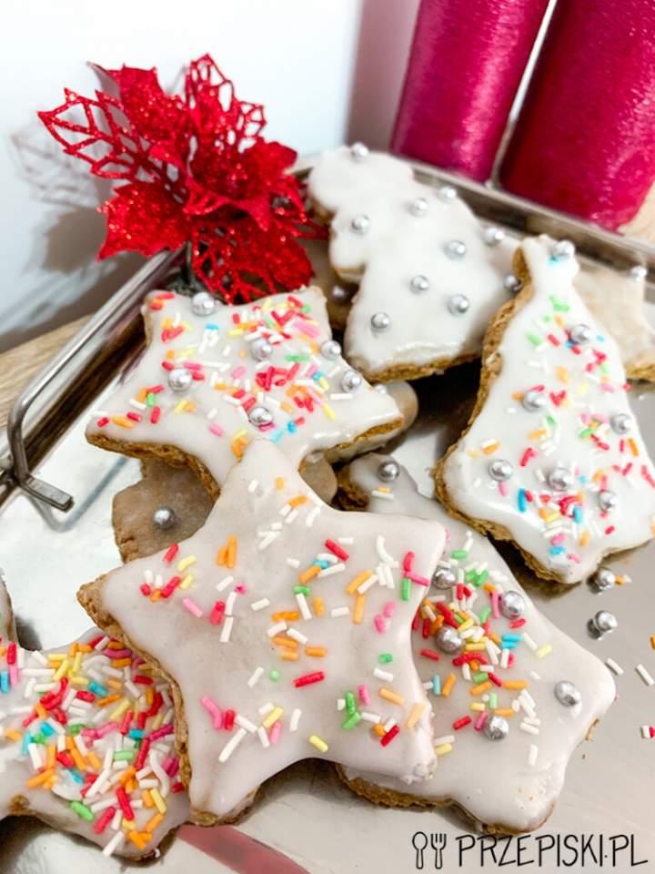 Świąteczne Pierniczki z Lukrem i Ozdobami
