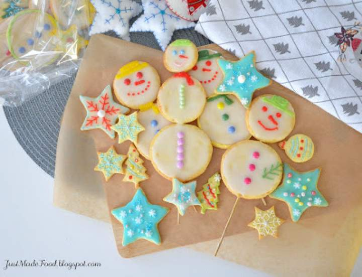 Świąteczne ciasteczka – ciasteczkowe bałwanki