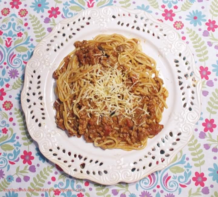 Spaghetti z indyka, pomidorów i warzyw