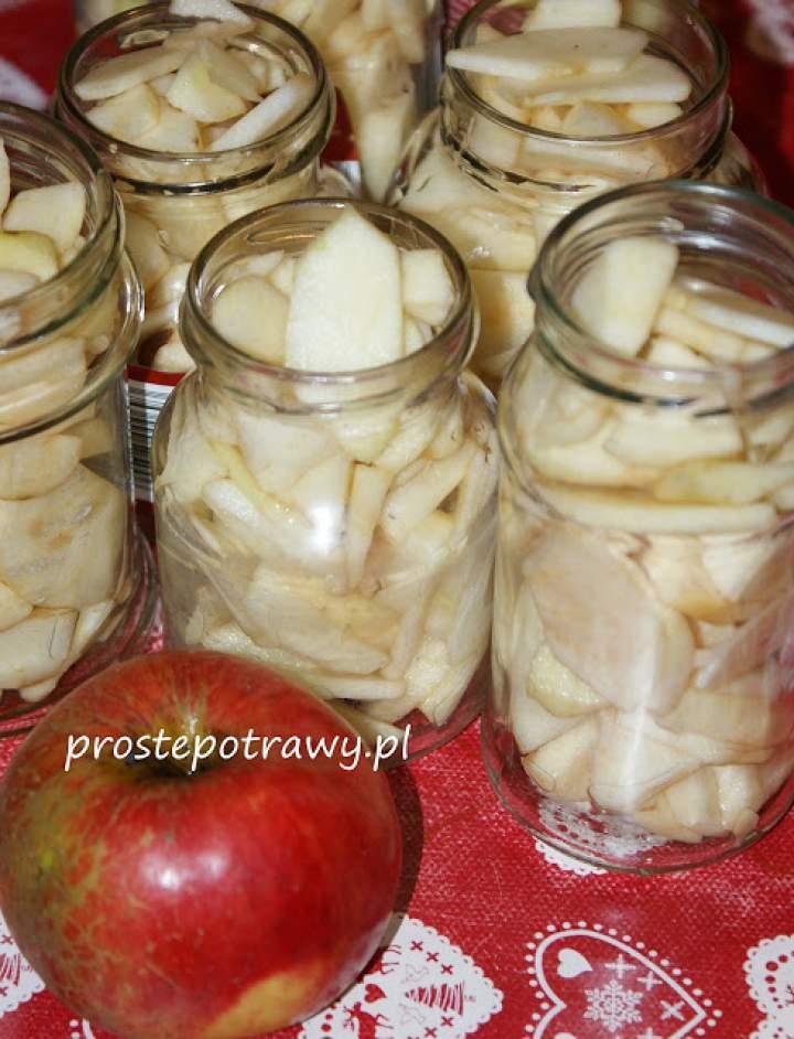 Jabłka w słoiczkach dla dzieci bez cukru