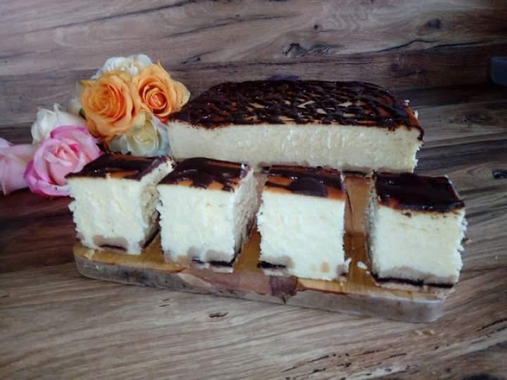 Łatwy sernik na ciastkach