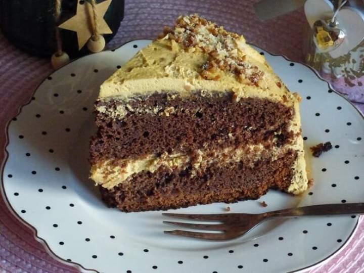 Tort z solonym karmelem
