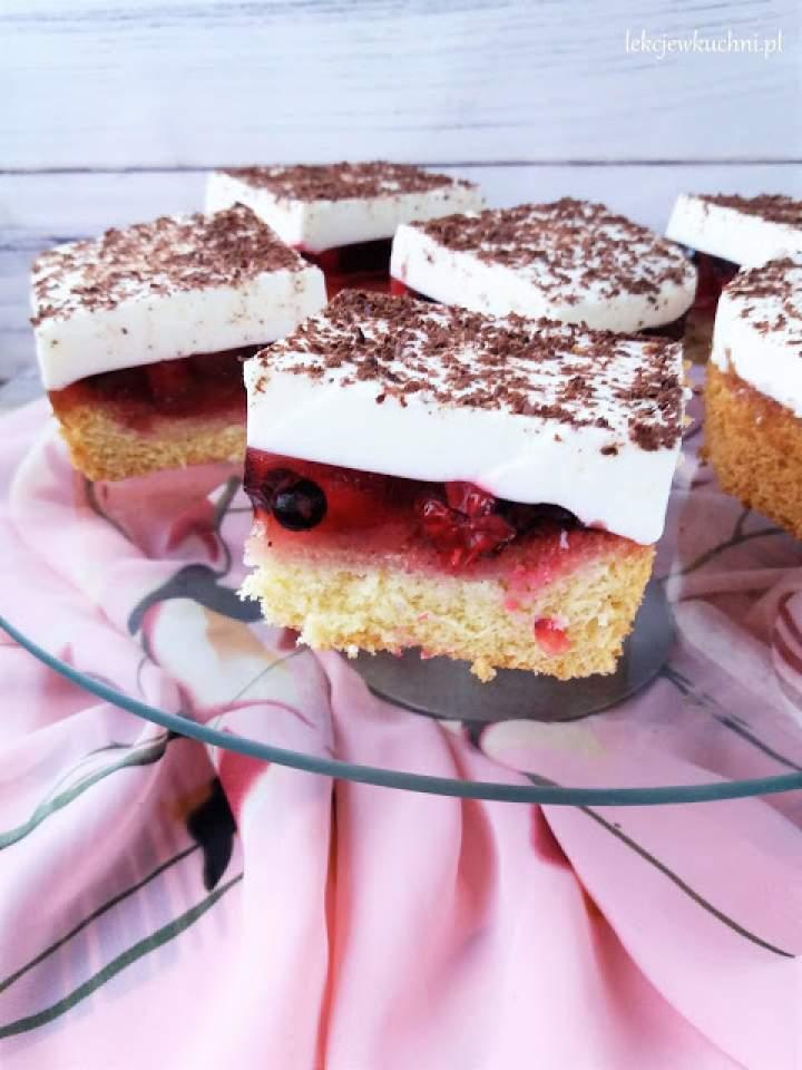 Ciasto z serkiem homogenizowanym i galaretką / Fromage Frais Jello Cake
