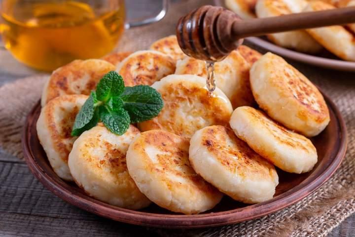 Syrniki – rosyjskie placki z serem
