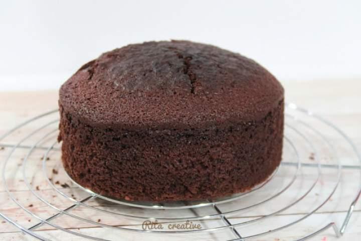 Ciasto czekoladowe jako baza do tortów i ciast.
