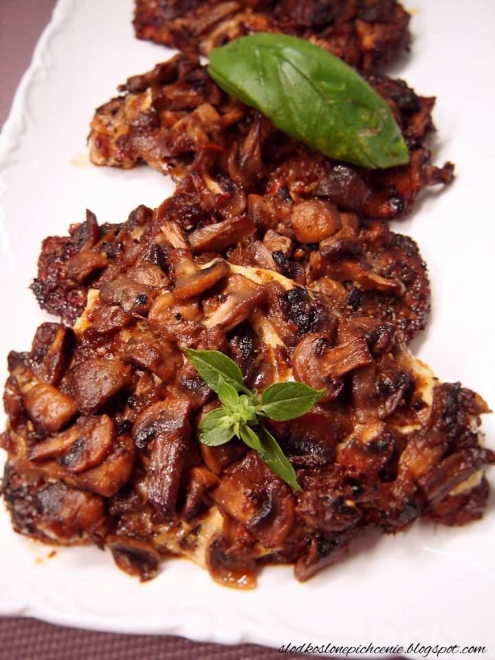 Schab zapiekany z pieczarkami i majonezem