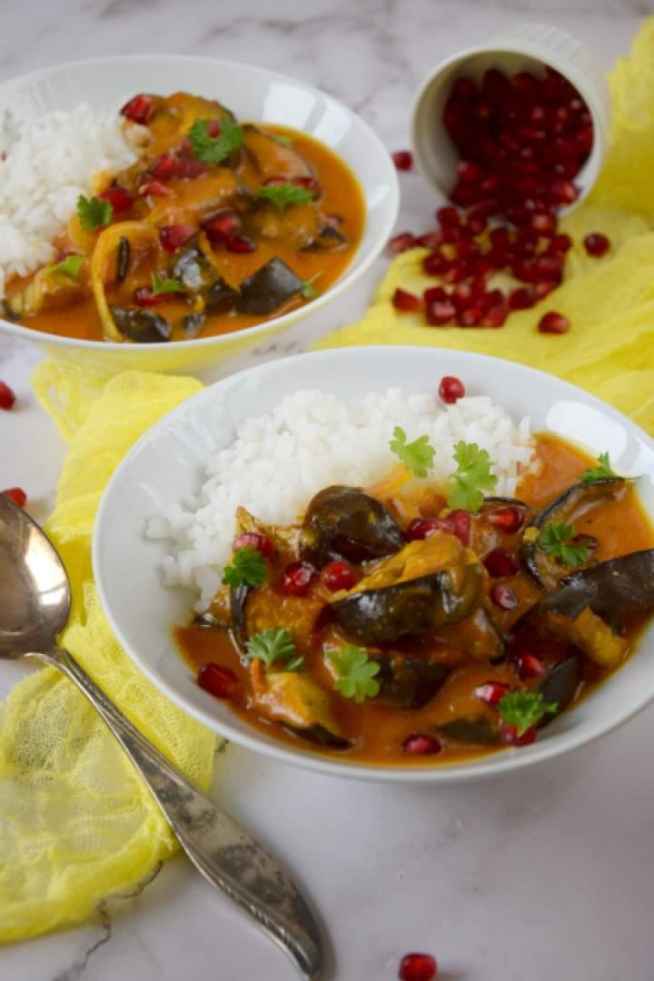 Pikantne żółte curry z pieczonym bakłażanem