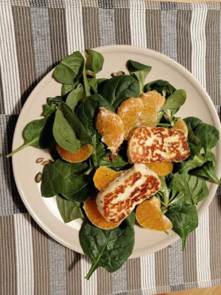 Sałatka z mandarynką i Halloumi