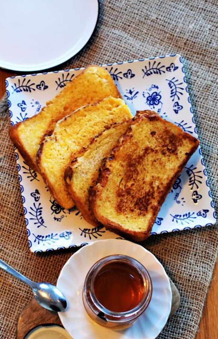 Francuskie tosty z Banana Sambal. Moje śniadaniowe comfort food na mroźne poranki.