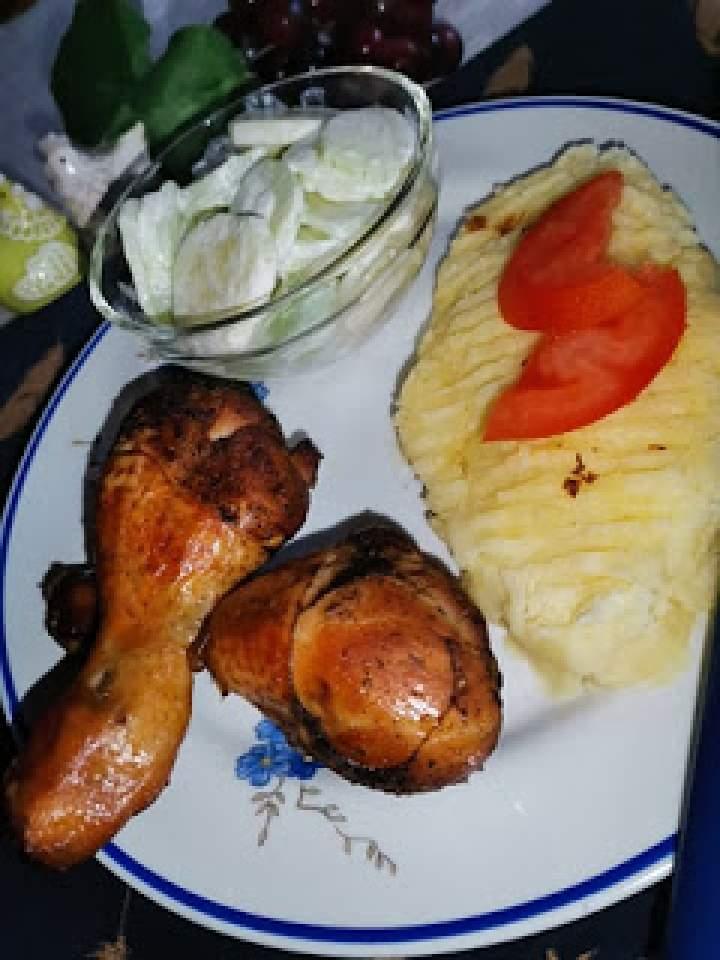 Pałki kurczaka marynowane w kawie naturalnej.