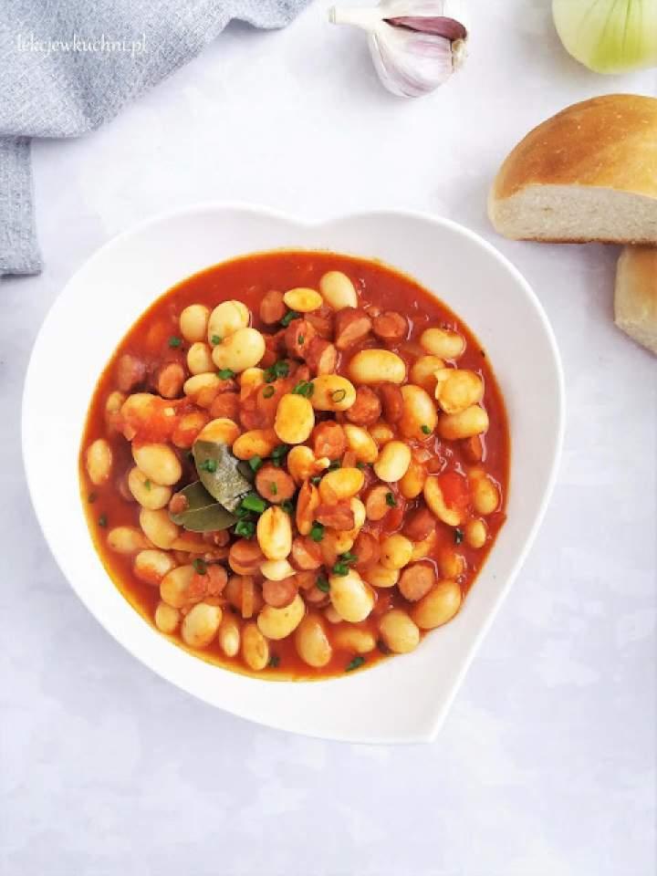 Tradycyjna fasolka po bretońsku / White Beans in Tomato Sauce