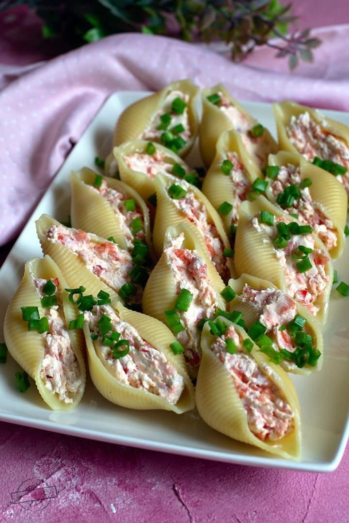 Makaronowe muszle z łososiem