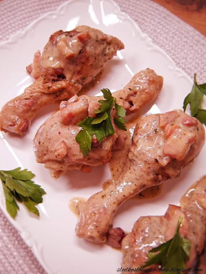 Kurczak w kremowym sosie z boczkiem