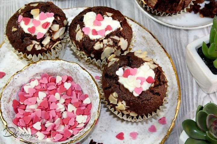 Walentynkowe muffinki z serduszkiem