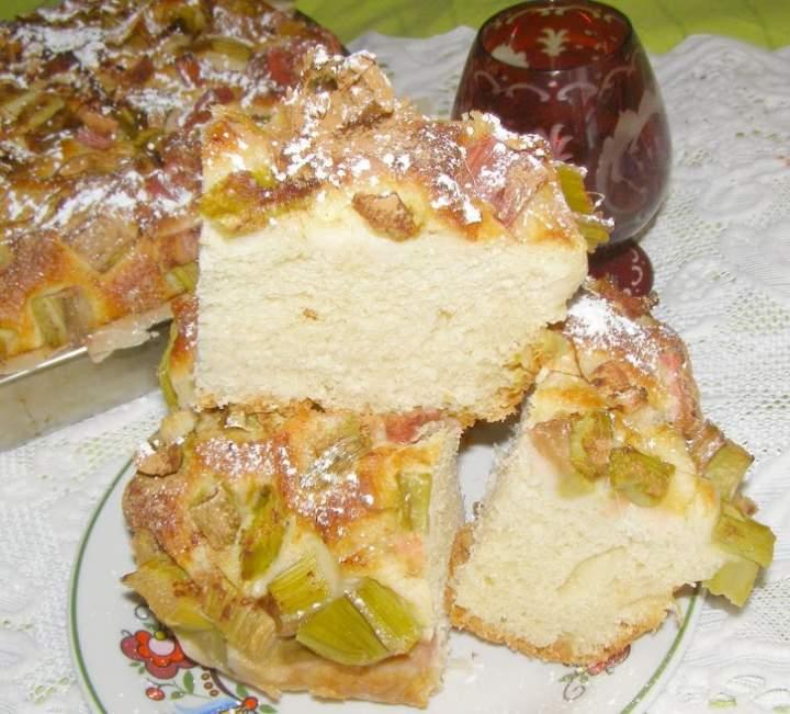 pyszne ciasto drożdżowe z rabarbarem…