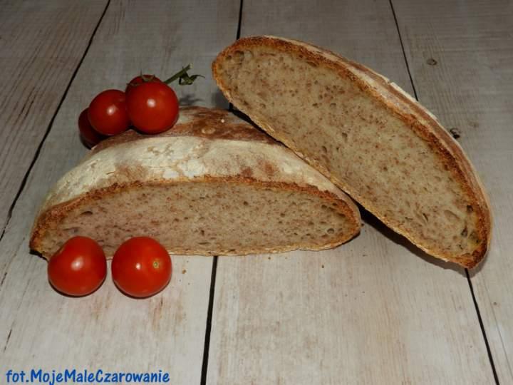 Chleb na zakwasie z semoliną